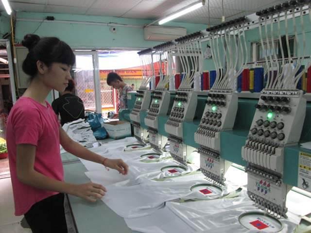 xưởng may áo thun công sở